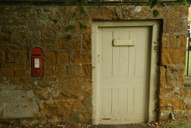 'Tradesmens Entrance'