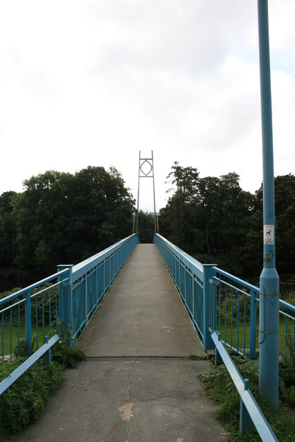 Footbridge over the river Stour at Blandford Forum