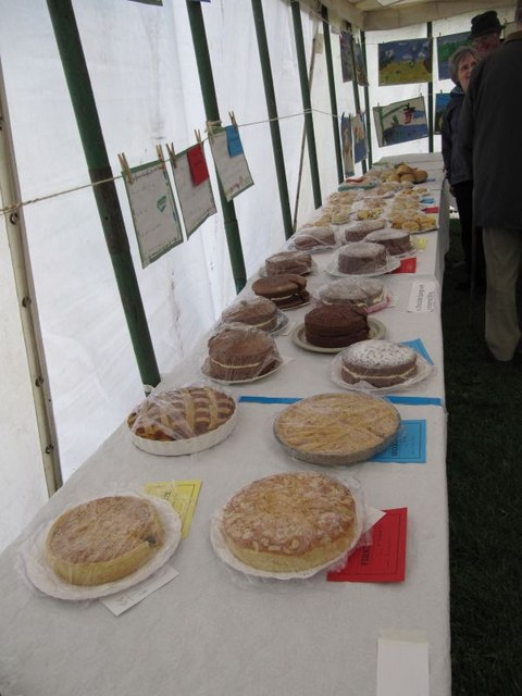 More cakes