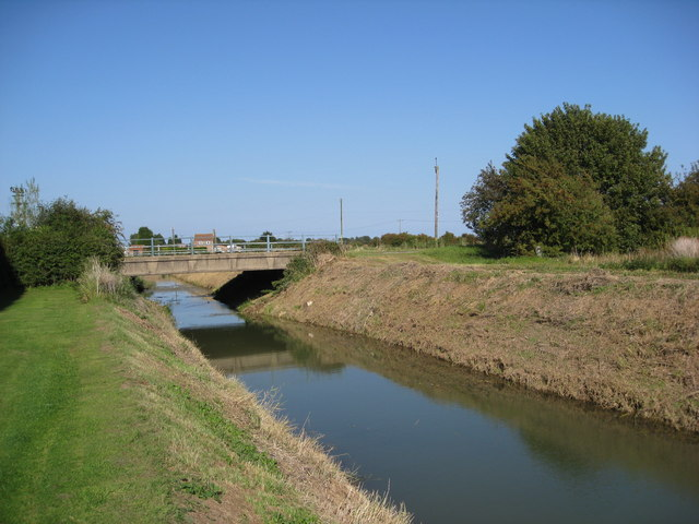 Hogsthorpe - Willoughby High Drain passing under the A52