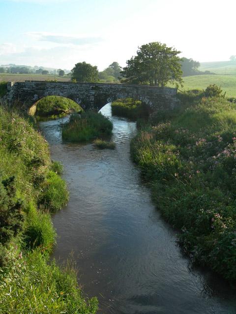 Stone bridge over Lunan Water