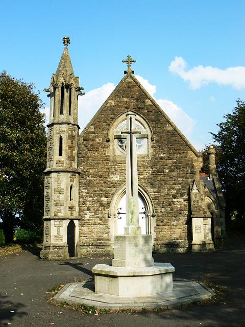 War memorial and chapel, Radnor Street cemetery, Swindon