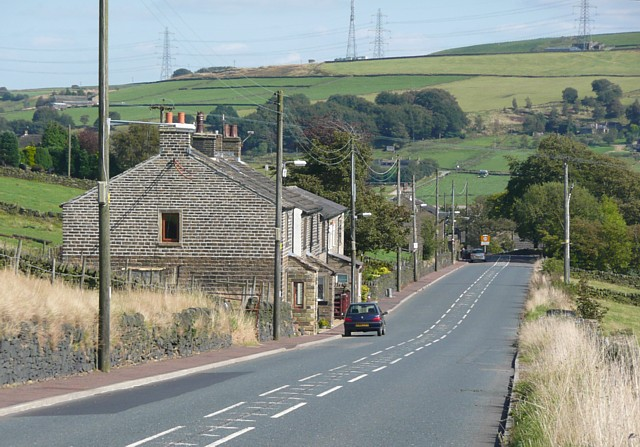 The A58 approaching Ripponden, Soyland