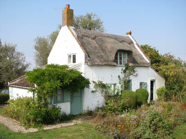 Thatched cottage by Commission Mill