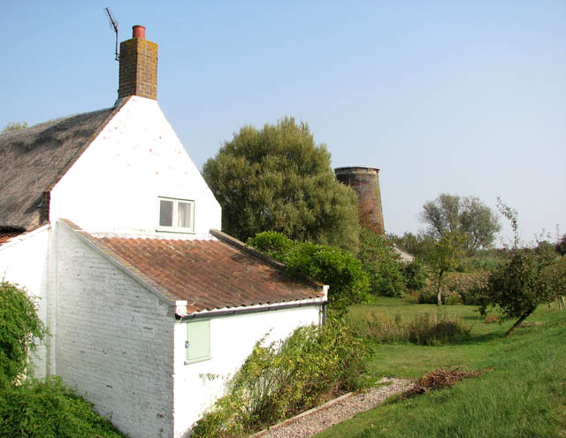 Commission Mill and adjoining cottage