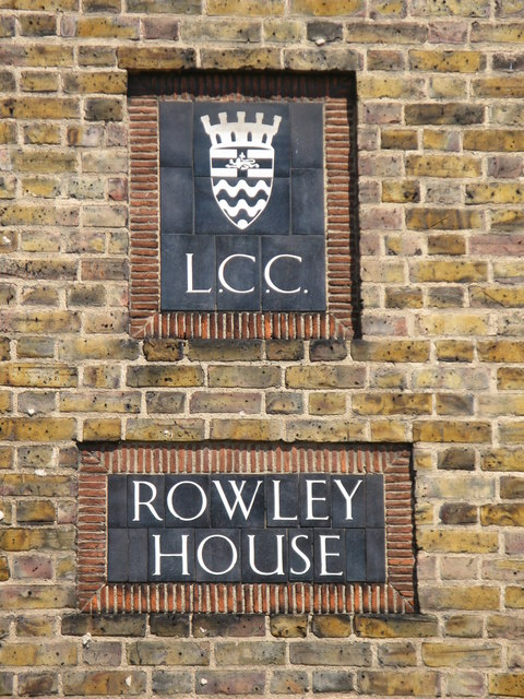 LCC plaques on Rowley House, Watergate Street / Trevithick Street, SE8