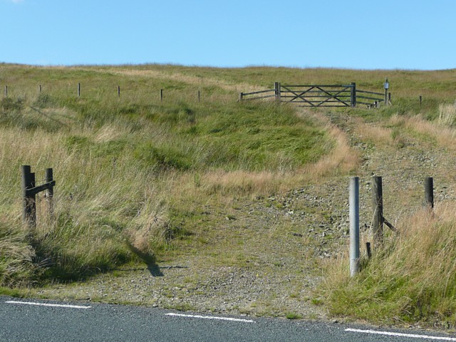 Track onto the moor, Black Castle Hill, Soyland
