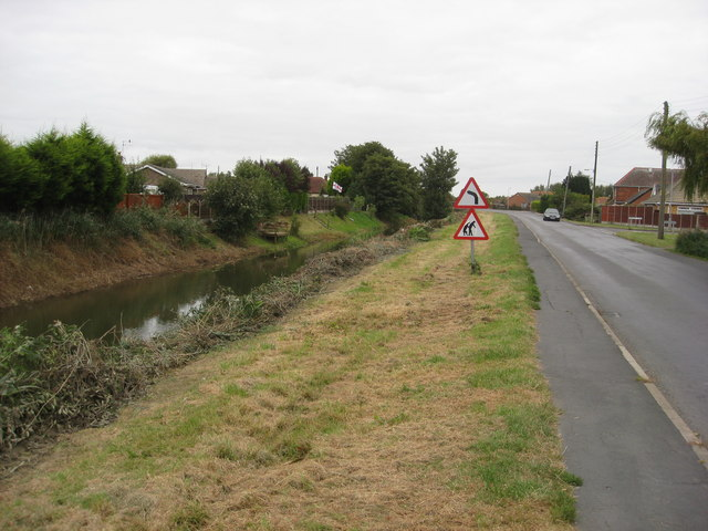 St. Leonards Drive and Willoughby High Drain