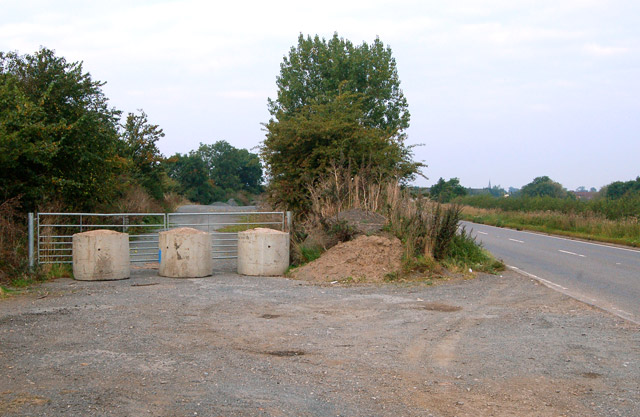 Bypassed course of road, A425 east of Southam (1)