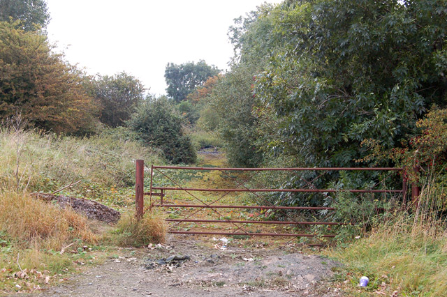 Bypassed course of road, A425 east of Southam (2)