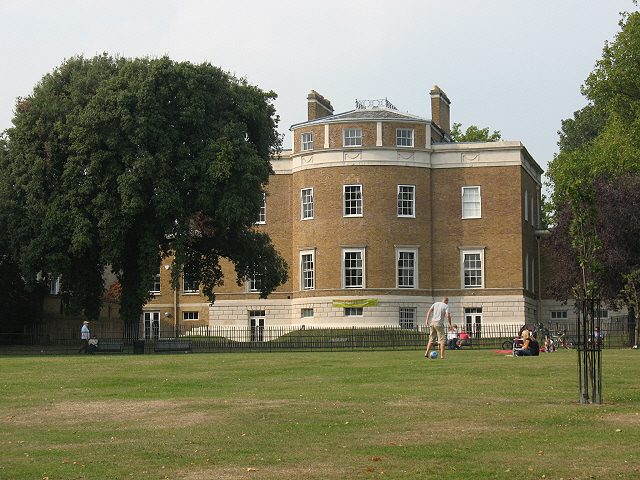 The Manor House, Lee - rear