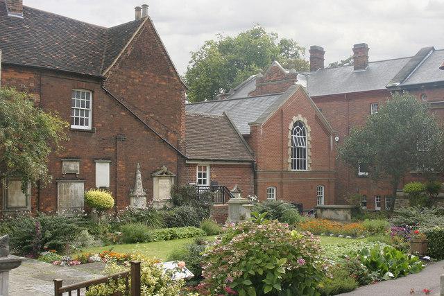 Garden with gravestones, Bunyan Meeting Free Church, Bedford