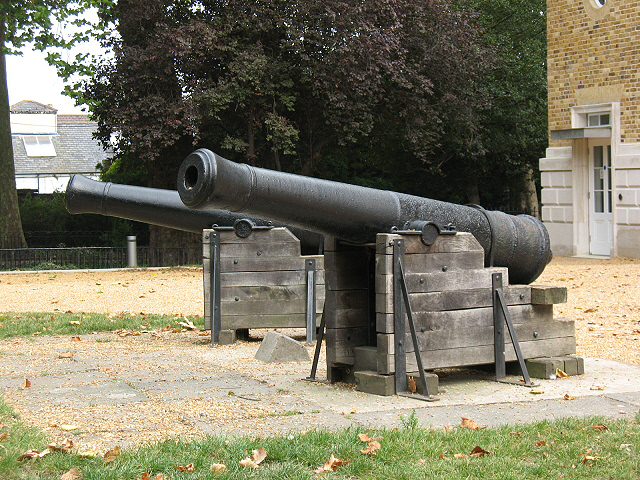 Pair of cannon at Manor House
