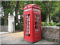 TQ3975 : Telephone kiosk, Old Road by Stephen Craven