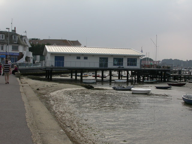 Sandbanks, yacht club