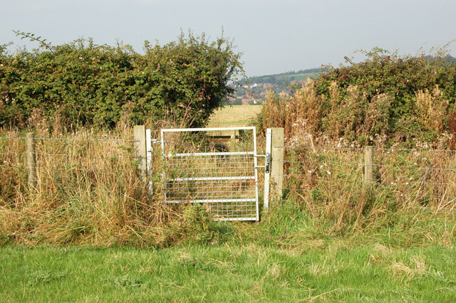 Gate on a footpath east of Napton