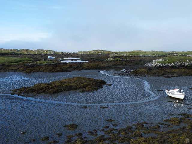 Eilean Chairminis at low tide