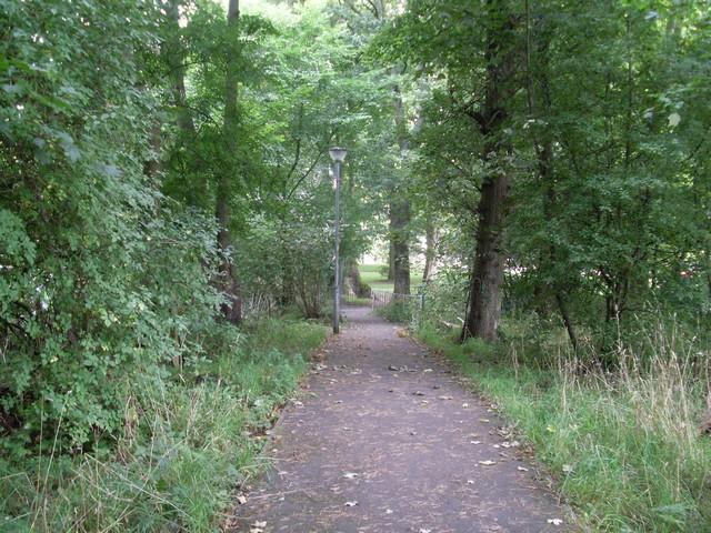 Footpath to East Kilbride Road