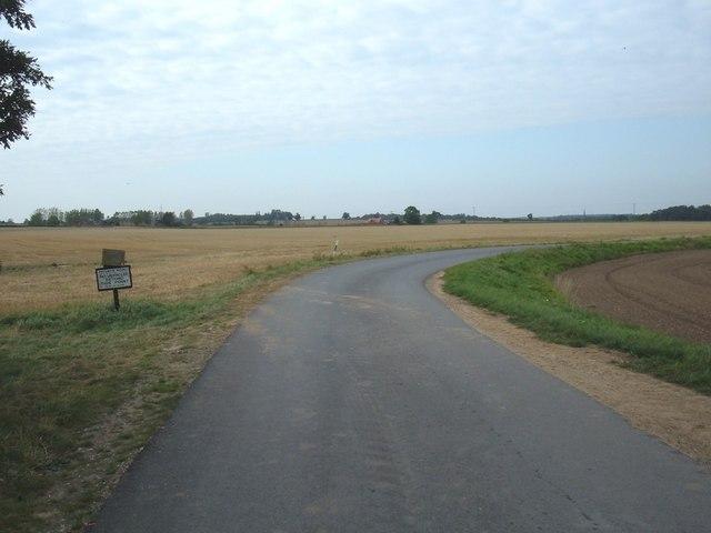 Track to  Gomary Hall Farm