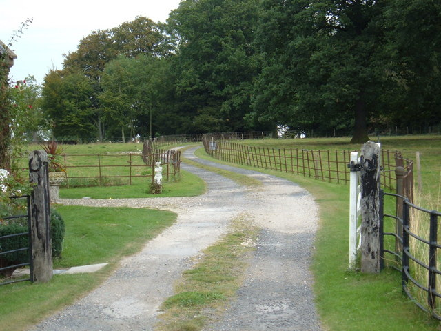 Track to  Scorborough Hall