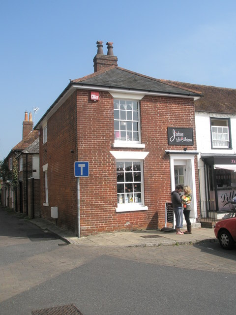 J'adore La Maison in The Square, Wickham