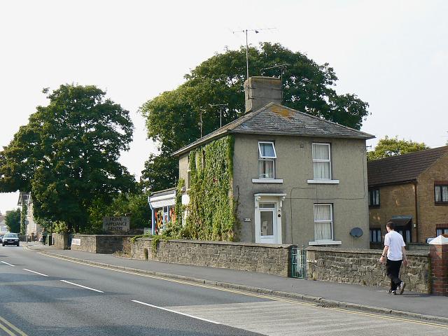 221 Kingshill Road, Swindon