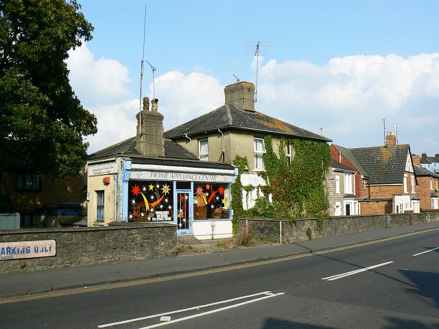 221b Kingshill Road, Swindon