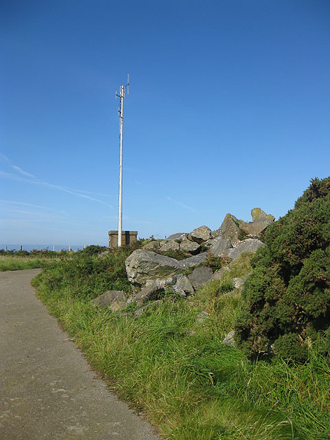Communications mast near the Strumble VOR