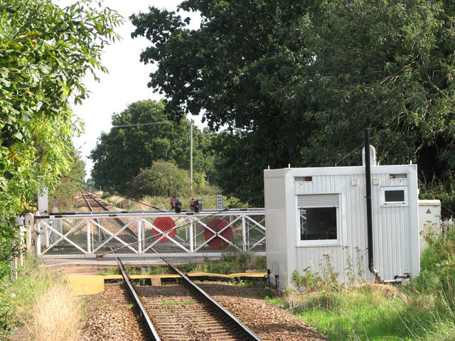 Lingwood station - signal box by level crossing