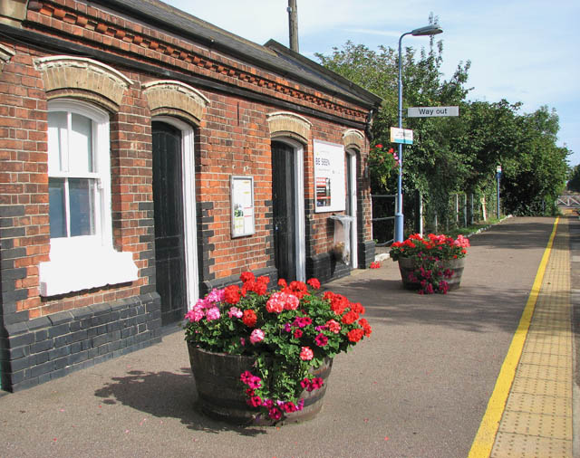 Lingwood station - the (former) waiting rooms