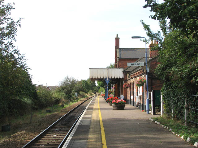 Lingwood Railway Station