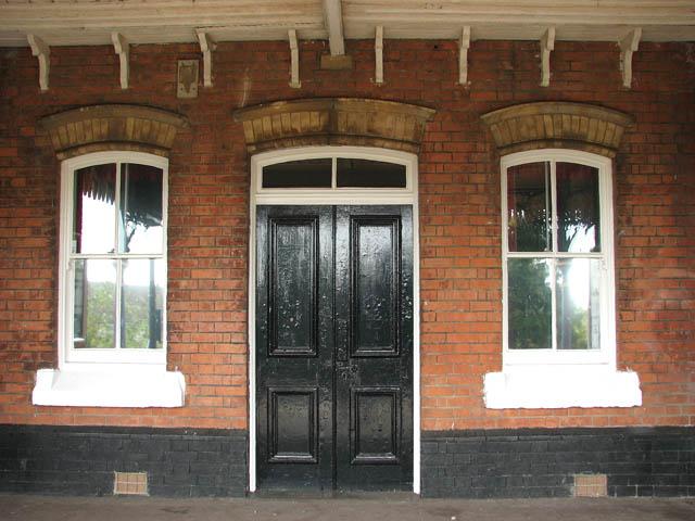 Lingwood station - entrance into station building from platform