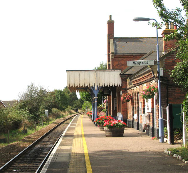 Lingwood Railway Station