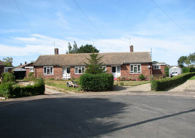 Bungalows at the end of New Road