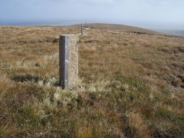 Old fence line above Sky Fea