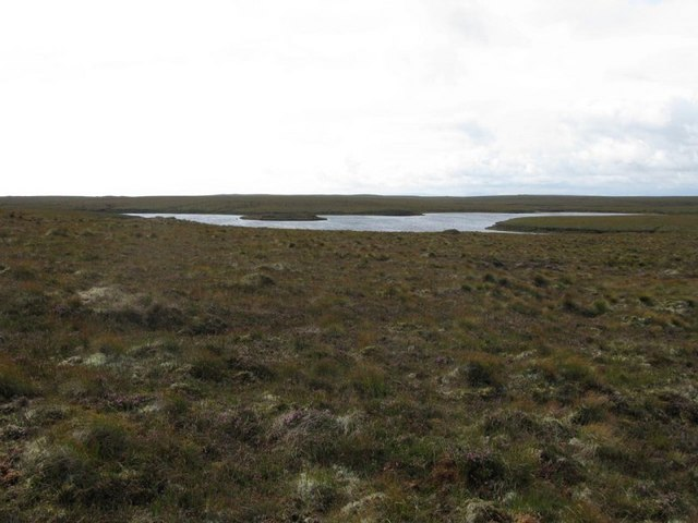 Loch Lingabhat mor and moorland