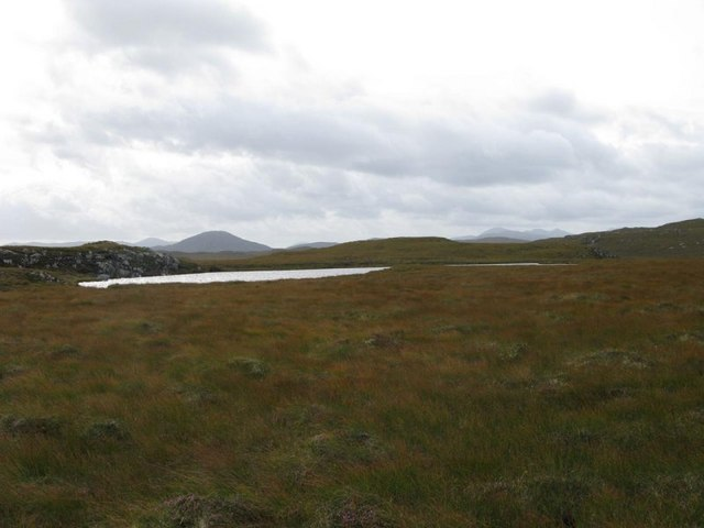 Unnamed loch with Roinebhal behind