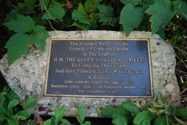 Plaque in Crescent Garden relating to the fountain