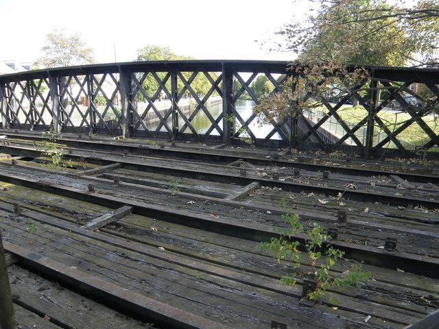 The Welland rail bridge