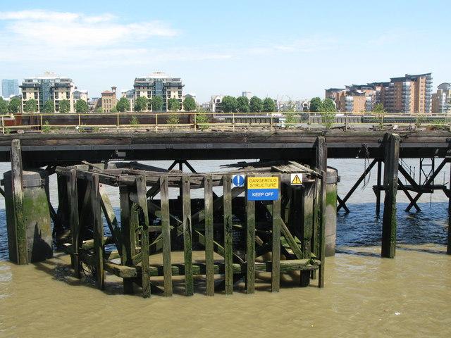 Landing stage, Greenwich Reach (3)