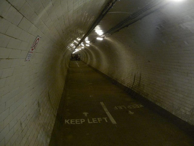 Greenwich: foot tunnel under the Thames
