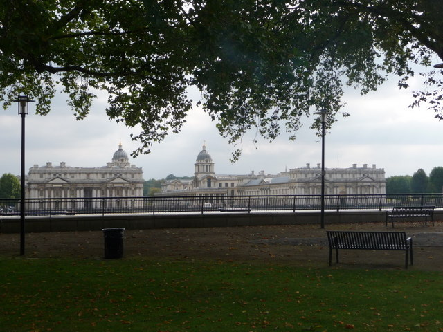 Isle of Dogs: Island Gardens and view to Greenwich