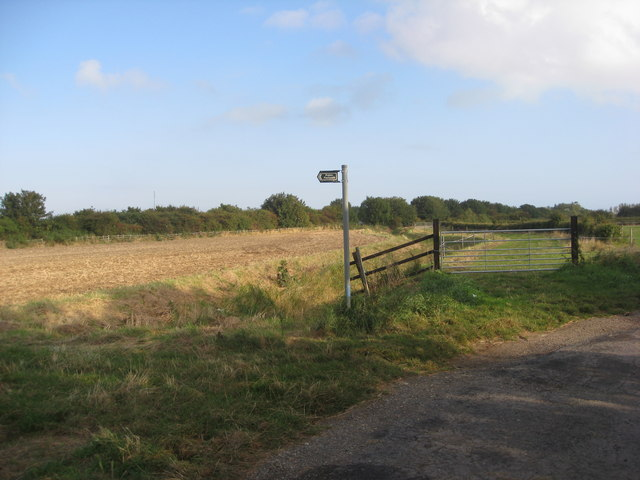 Footpath off the A52 near Sutton on Sea
