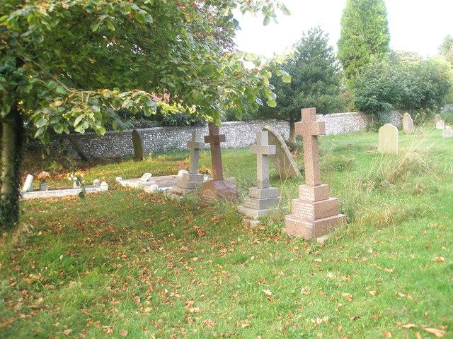 Simple crosses in Chalton Churchyard