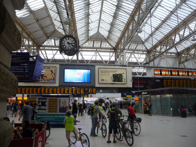 London: entering Waterloo Station