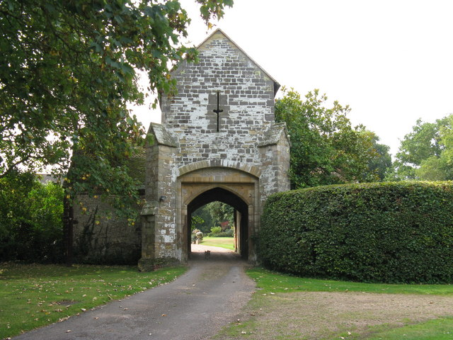 Gatehouse to Ewhurst Manor