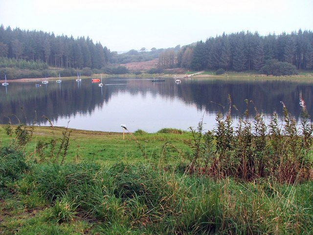Wistlandpound Reservoir from the south bank