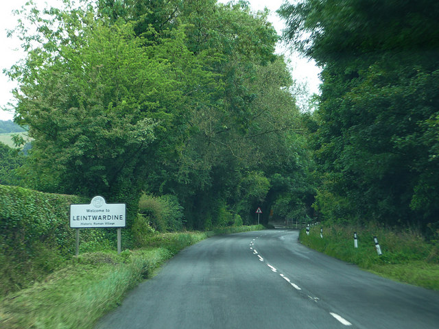 A4113 approaching Leintwardine