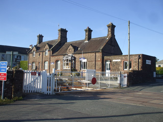Level crossing and station at Drigg