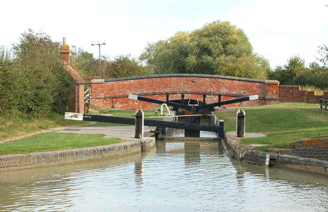 Marston Doles lock and bridge